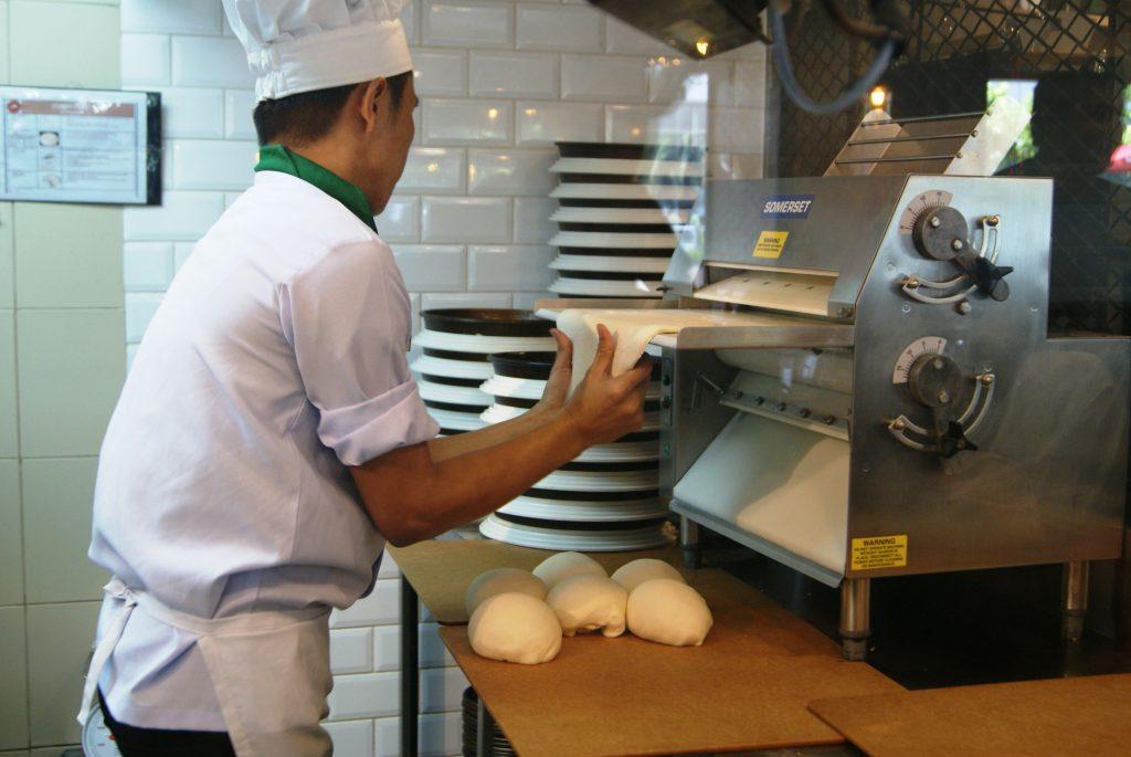 Pizza Hut : Bigger Store, Better Food